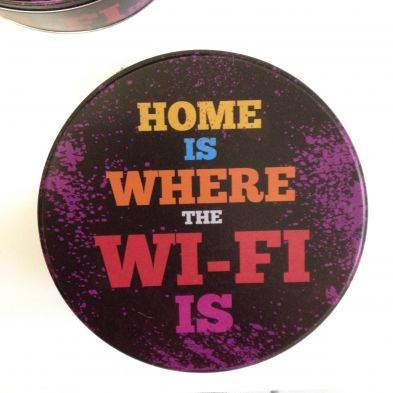 Caja circular de metal HOME IS WHERE THE WIFI IS